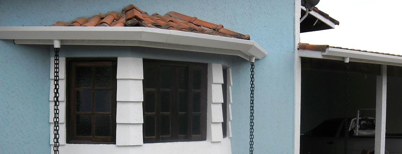 Calhas, Rufos e toda a estrutura de escoamento do seu telhado com quem entende do assunto